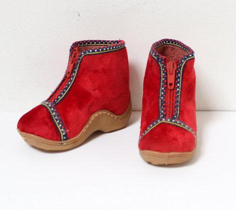 Chaussons en velours rouge vintage 1970