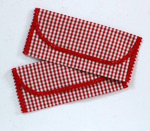 2 range-serviette à carreaux rouges