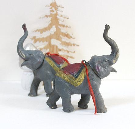 Eléphant ancien à suspendre