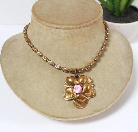 Collier grosse fleur dorée