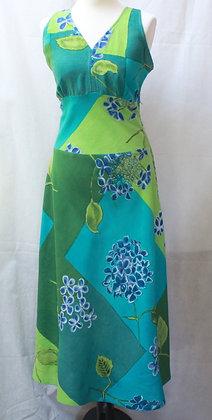 Longue robe verte et bleue dos nu