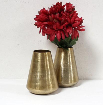 Petit vase en métal doré