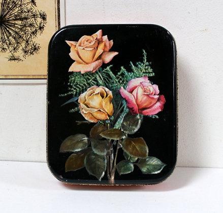 Boîte rétro décor de roses