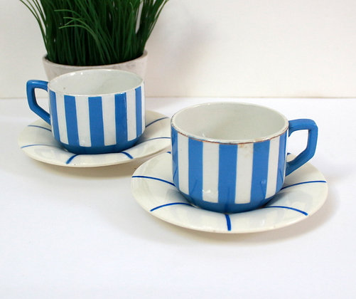 Tasses anciennes rayures bleues