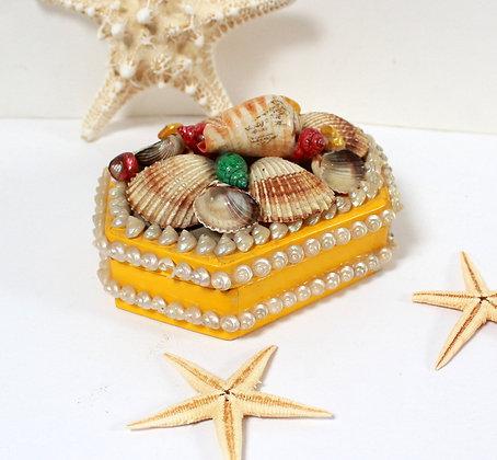 Boîte kitsch aux coquillages