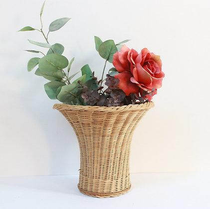 Corbeille vase en rotin