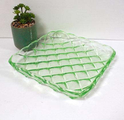 Plat en verre vert