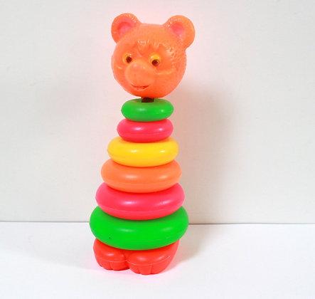 Tour d'anneau à empiler Petit ours
