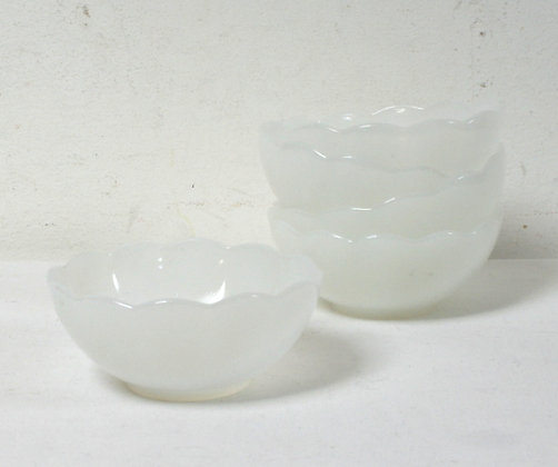 5 coupelles vintage blanches