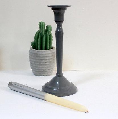 Bougeoir en métal gris