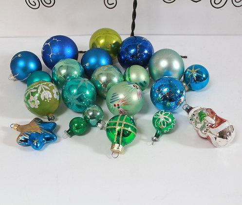 Boules de Noël anciennes vertes et bleues