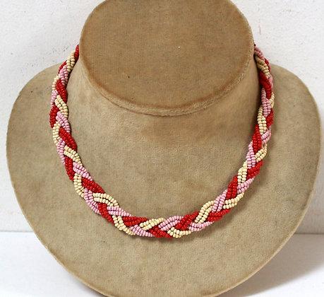 Collier ancien rose et rouge