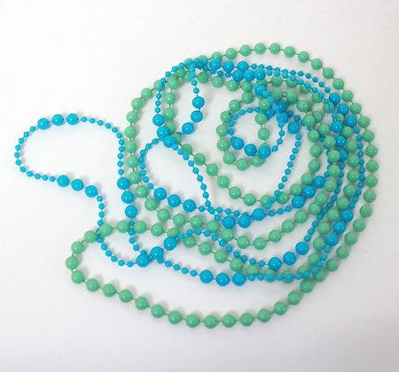 Colliers vert et bleu