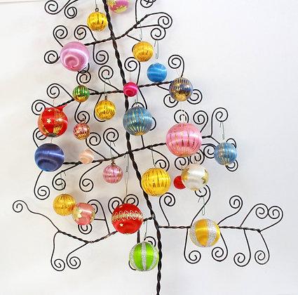 Boules de Noël multicolores en fil de soie