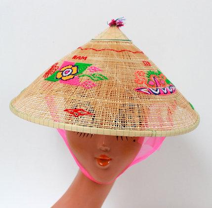 Chapeau conique vietnamien