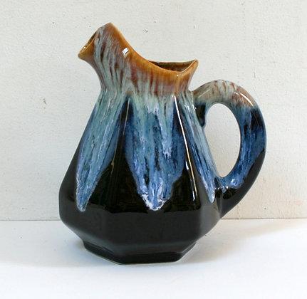 Pichet en céramique marbrée