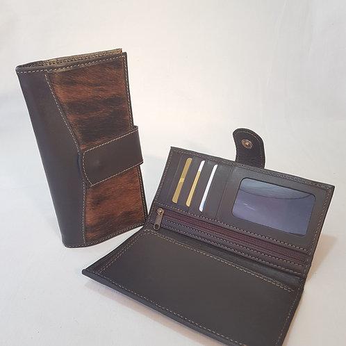 Copia de Cowhide Wallet with magnetic strap. BILL 67