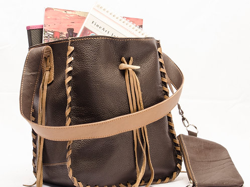 Brown leather handbag with fringes, and coin holder. BOLS 02.