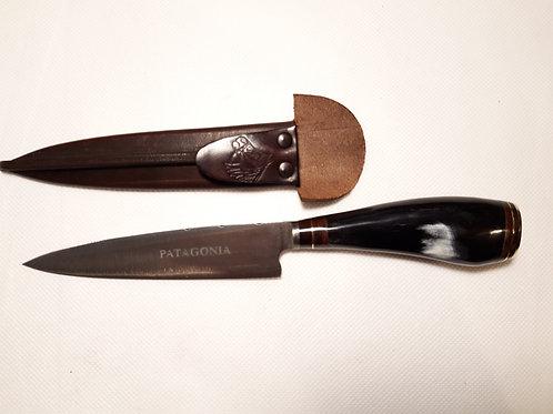 Cuchillo de cuerno de vaca. CUCH 75