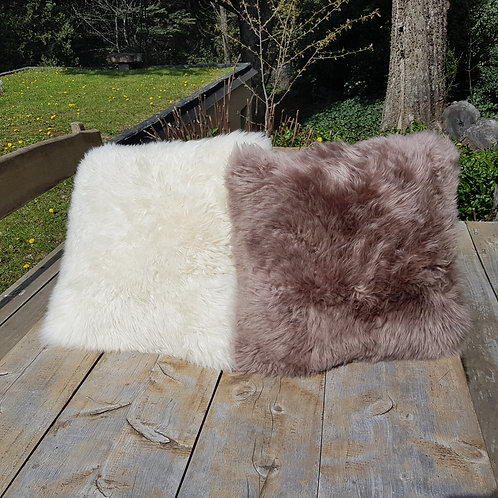 Sheppskin  leather cushion '. ALM 02.