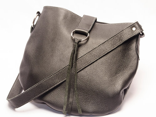 Black leather handbag with steel ring in the front and fringes. CAR 03.