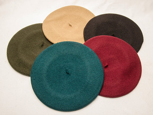 Wool beret on different colours. BOI 01.