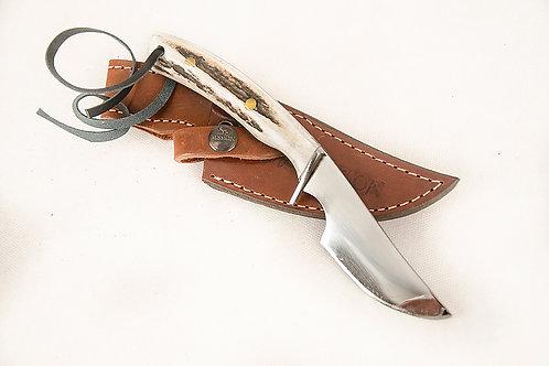 Verijero knife with deer antler. CUCH 07.