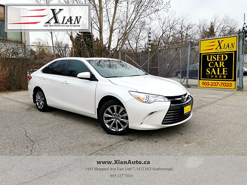 2017 Toyota Camry XLE White