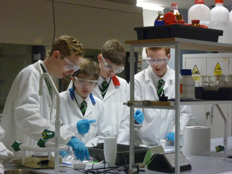College Chemists take part in the RSC's 'Top of the Bench' Quiz