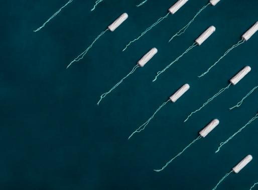 Afinal, existe alguma forma de fazer a menstruação vir mais rápido?