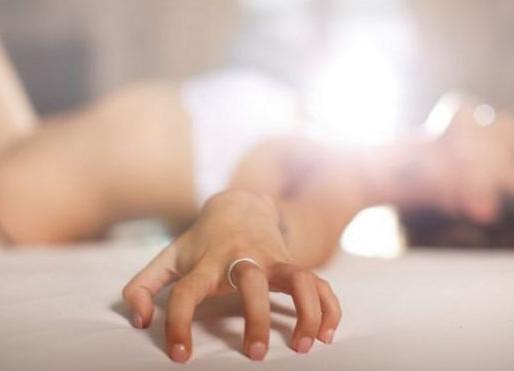 Orgasmo feminino: Qual é a função biológica do clímax no sexo?