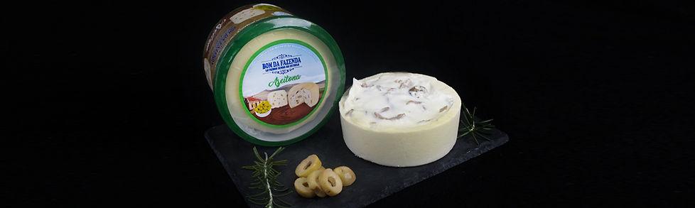 Queijo com recheio de requeijão e azeitona Bom da Fazenda.