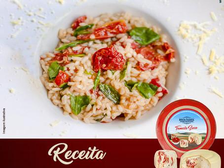 Risoto de tomate seco e rúcula com queijo recheado Bom da Fazenda