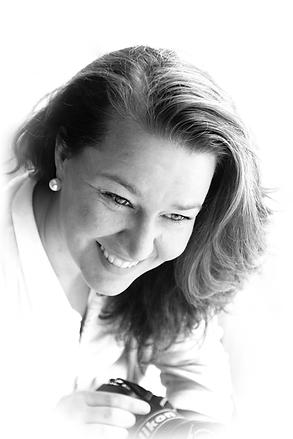 Ann-Sofie Fryxell, Glad, pålitlig, lugn, professionell fotograf