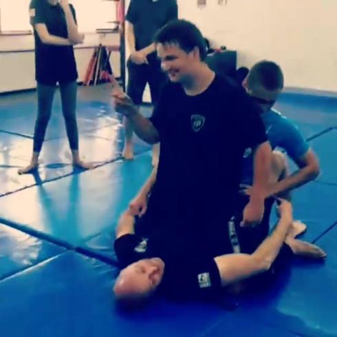 קרב מגע- חשיבות הרמת אגן בטכניקות קרקע