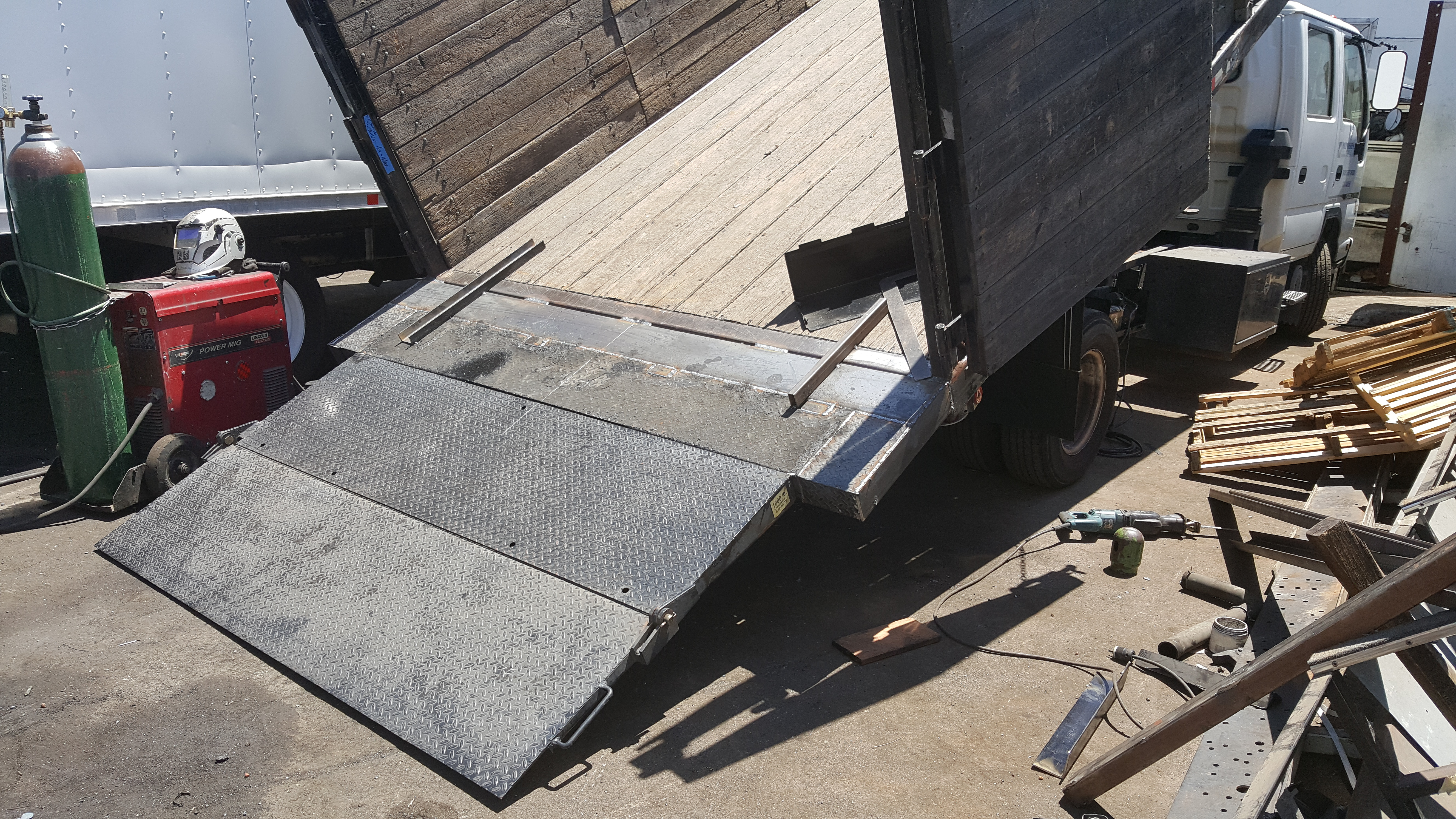 Dump Body With Lift Gate