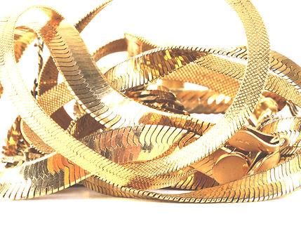 אנו מוכרים זהב