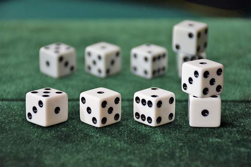 Set of Dice ''Tops'' (5 drugstore dice) White