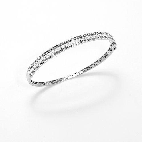 [ B47 ] 18K White Gold Diamond Bangle