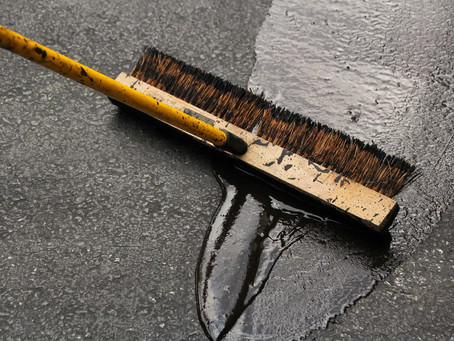 Should I Sealcoat my driveway? Benefits of Asphalt Sealcoating