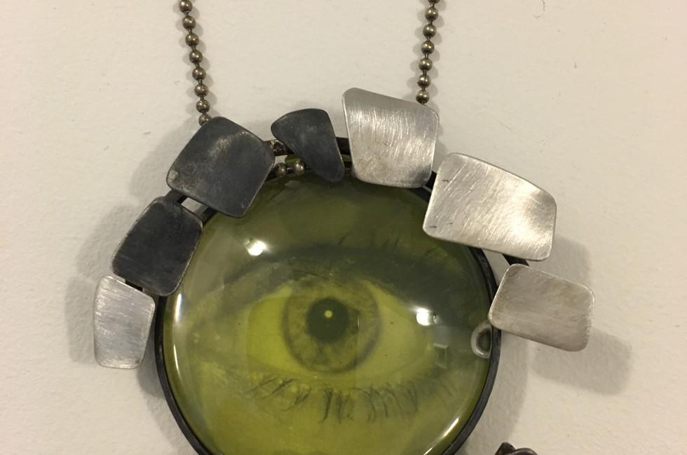 "Colgante lupa ""Serie Eyes that see"""