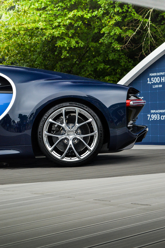 The large polished wheels really stand out!