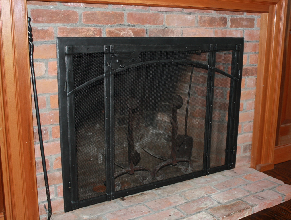 Built In Fire Screen with Latch