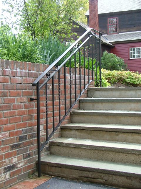 Custom Iron Stairs Railing