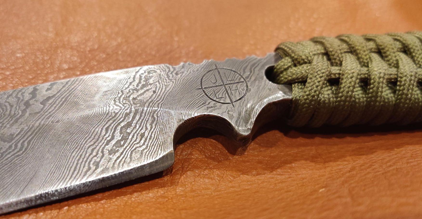 DamascusKnives002.jpg