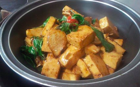 《素食》三杯雙菇豆腐燜老薑