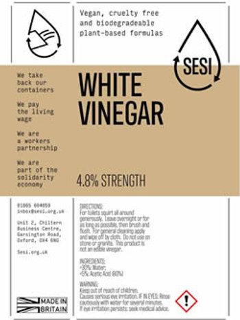 White cleaning vinegar