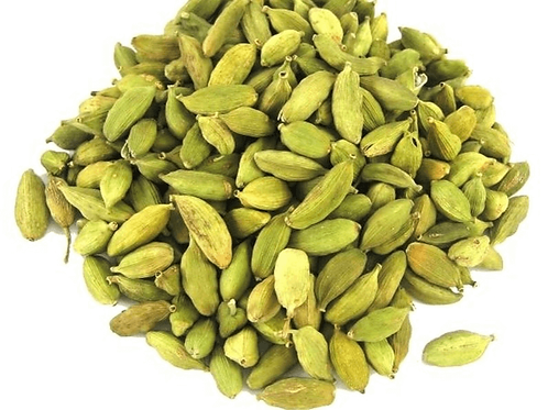 Whole green  cardamon pods