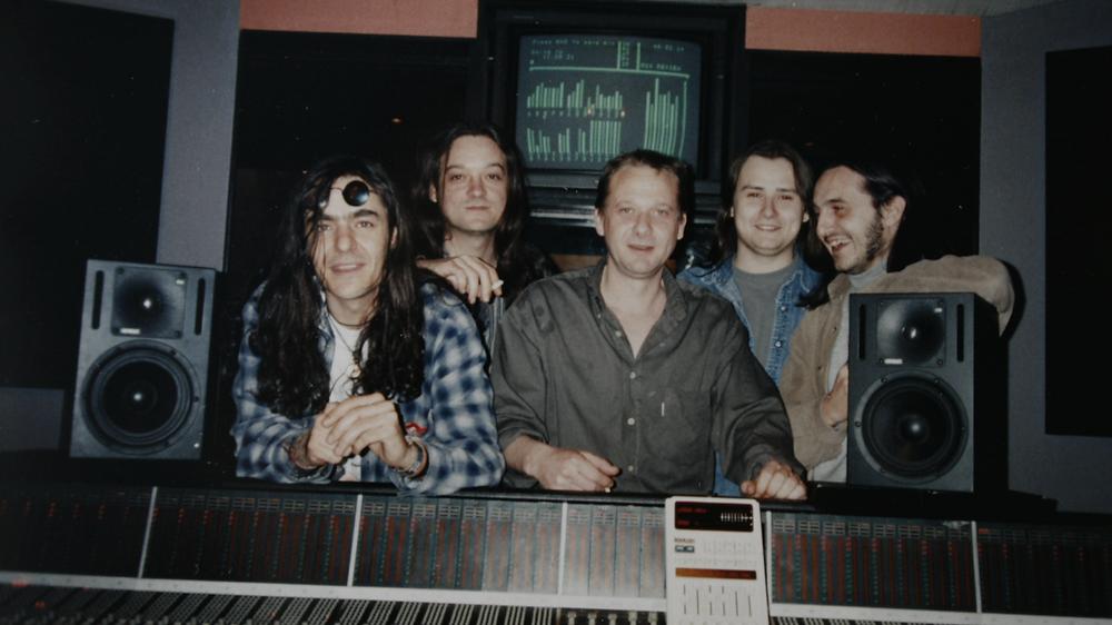 Distrito 14 en Sonoland, con Carlos Martos (en el centro) y Daniel Altarriba (detrás a la derecha)