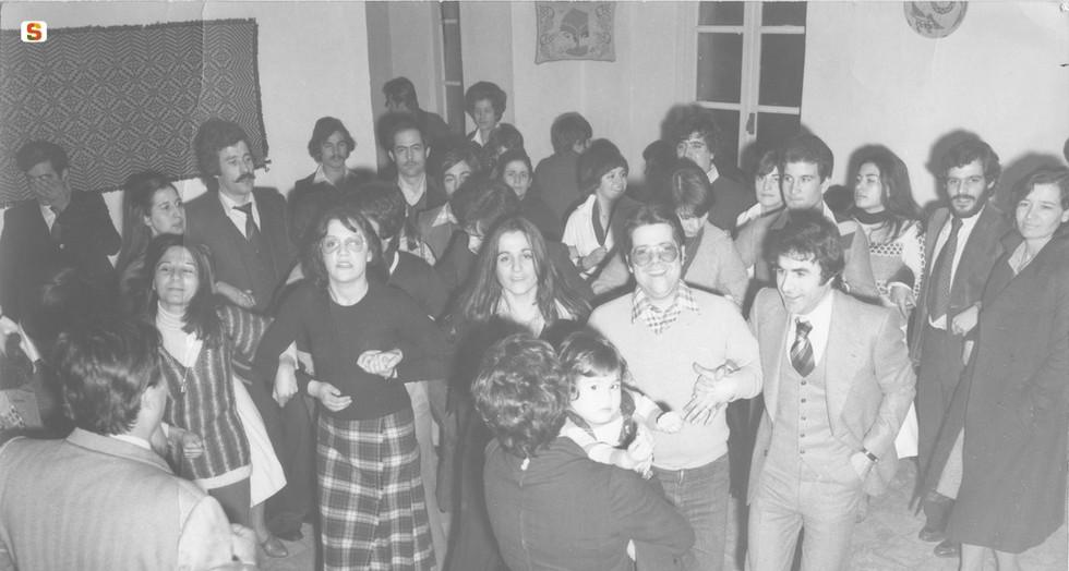 1971 Un gruppo di emigrati sardi a Torino